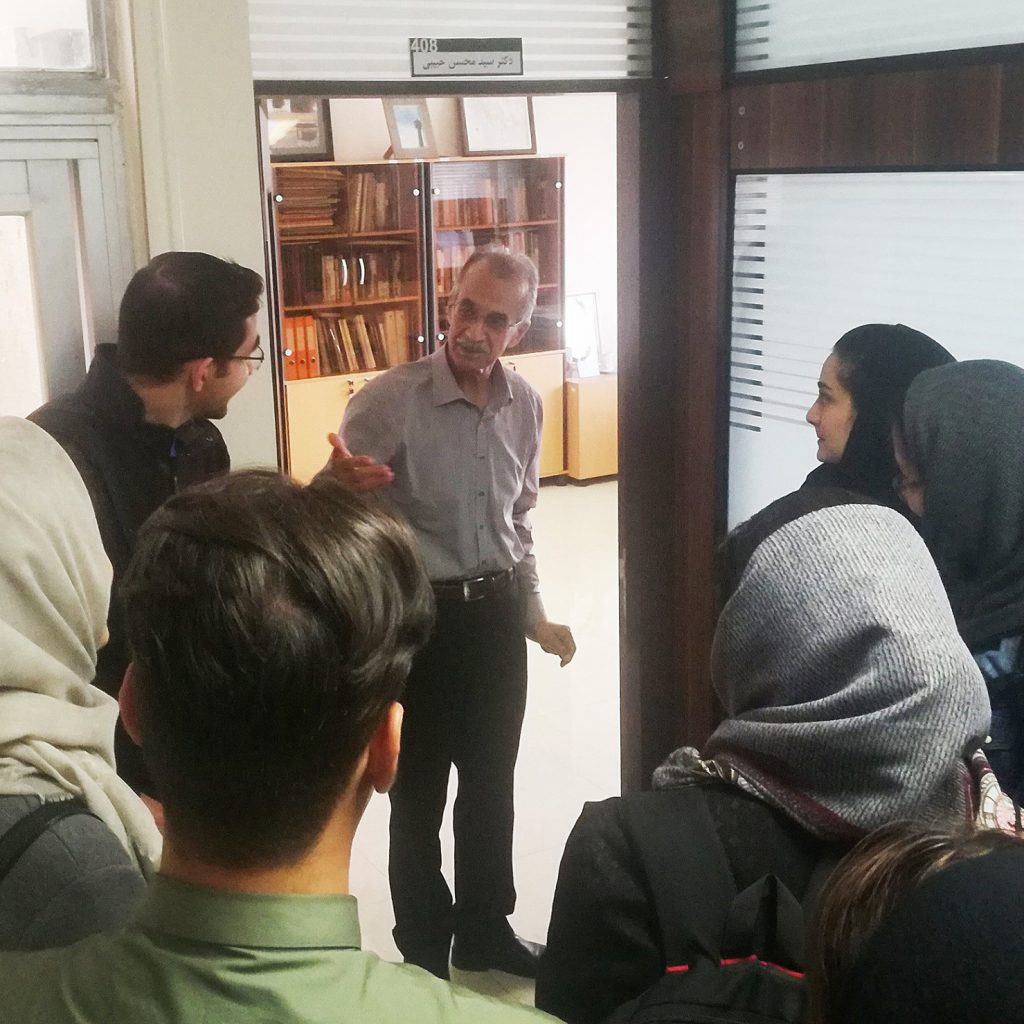دکتر حبیبی و دانشجویان
